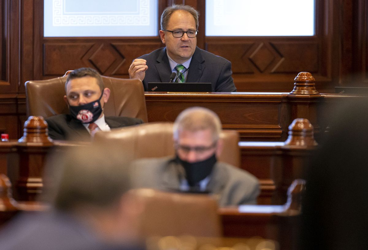 Illinois lawmakers head toward final day of spring session still facing issues including budget, ethics and energy policy