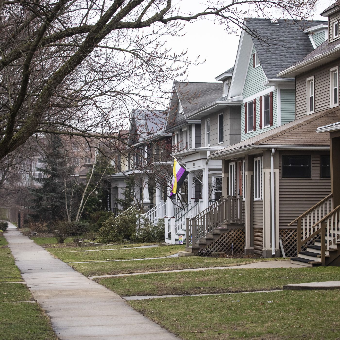 I want to save a historic Chicago home. I'm up against developers who would rather raze it
