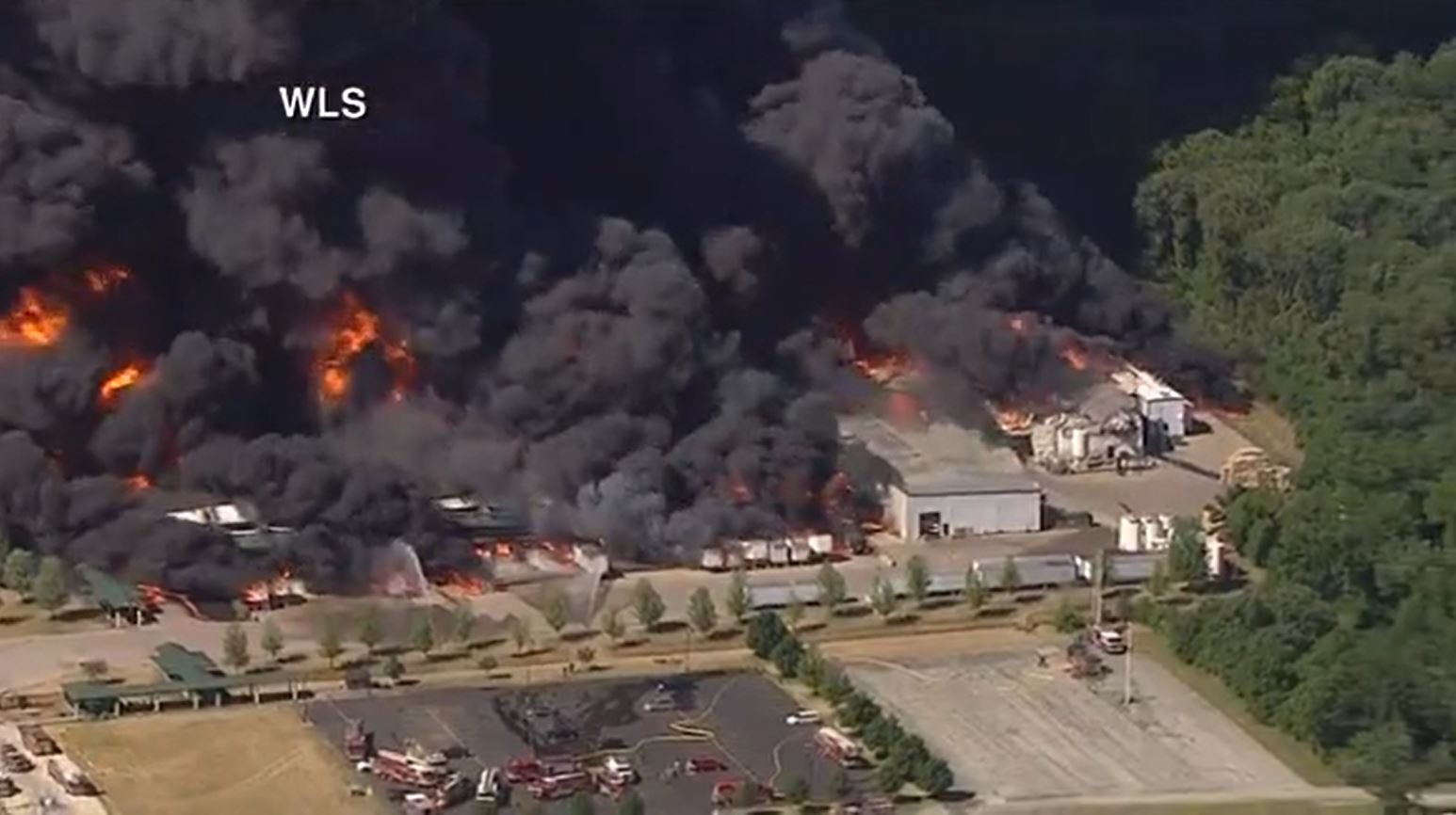 Residents, businesses evacuated due to chemical fire in Illinois – WISH-TV   Indianapolis News   Indiana Weather