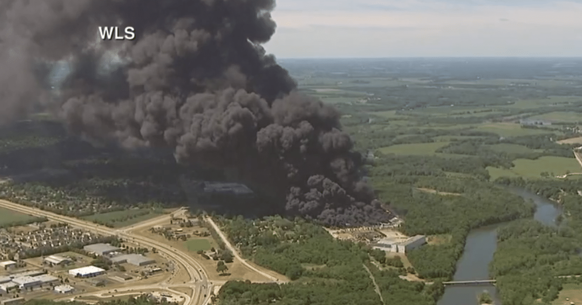 Large chemical fire prompts evacuation in Rockton, Illinois
