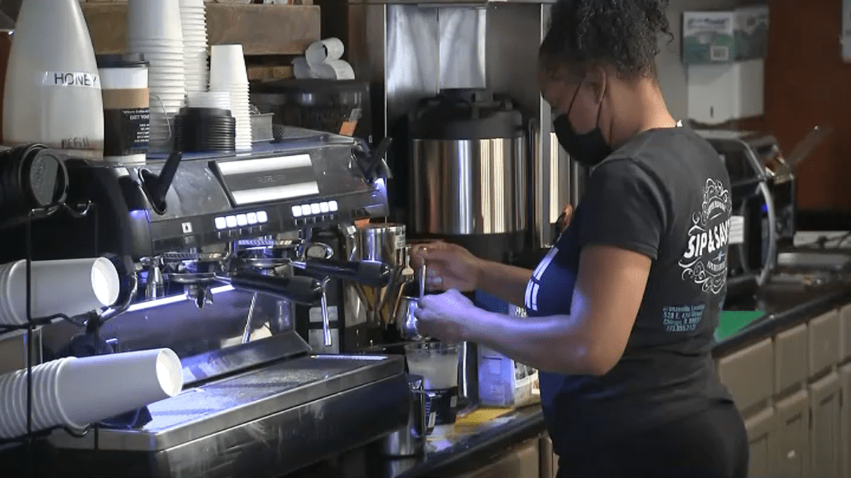 Phase 5 Guidelines Explained, Restaurant Workers Needed – NBC Chicago
