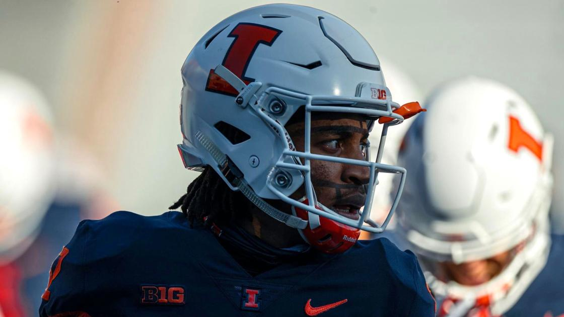Boyd: Illinois' Tailon Leitzsey could've used NIL for upcoming camp, instead he'll host it for free   Illini
