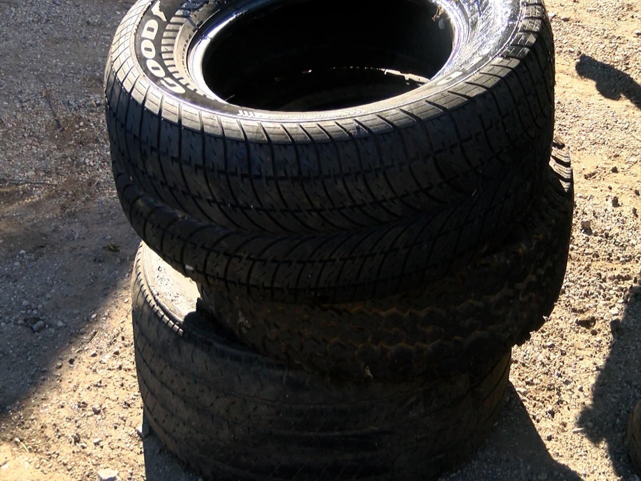 Peoria City Council discuss licenses for tire businesses, hoping to stop illegal dumping