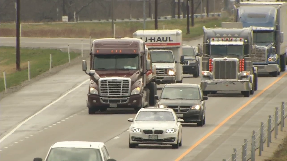 Illinois trucking companies concerned over driver shortage unlike ever before