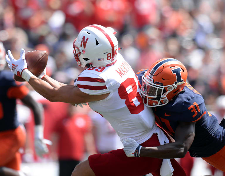 Huskers fall apart in 30-22 loss to Illinois