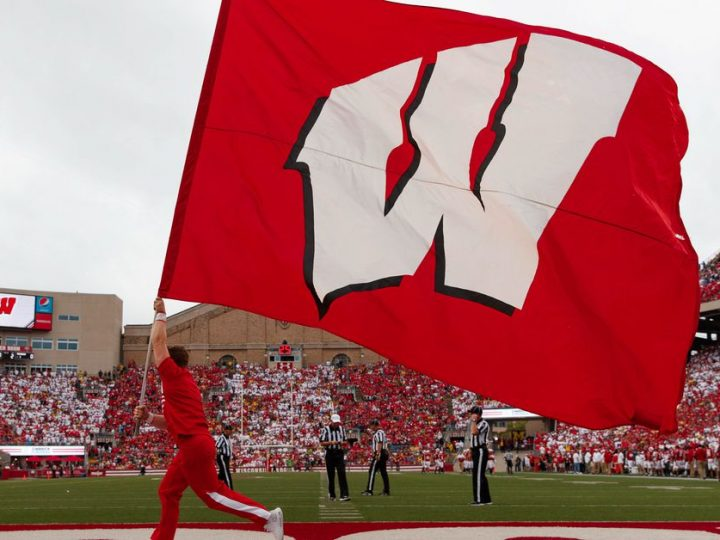 Wisconsin Badgers football recruiting: UW offers 3-star ATH Kaden Feagin out of Illinois