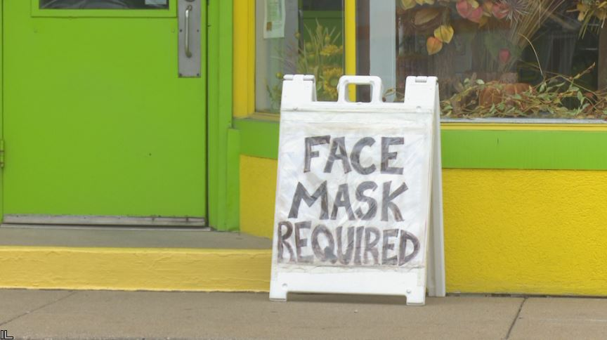 Local businesses have mixed reaction to new Illinois mask mandate